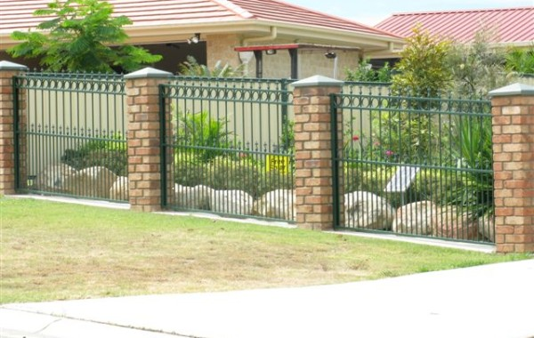 Green Colonial Fence Panels with Spears, Circles & Doggy Bars