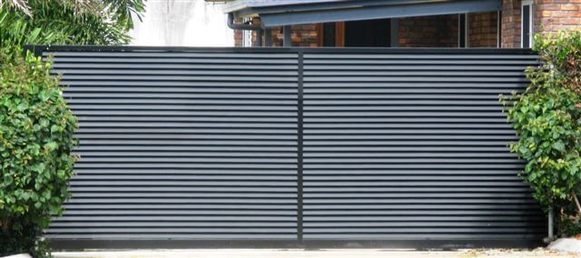 Louvred Sliding Gate