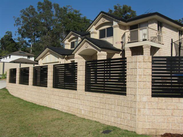 Horizontal Slat Fence Panels small gap