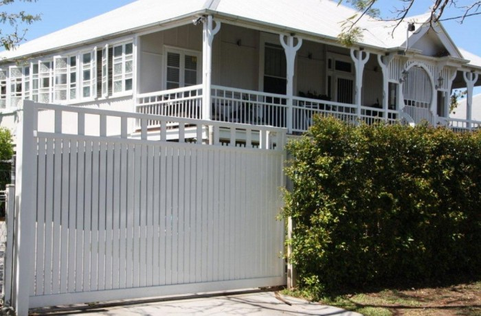White Colonial Vertical Slat Brisbane Gates